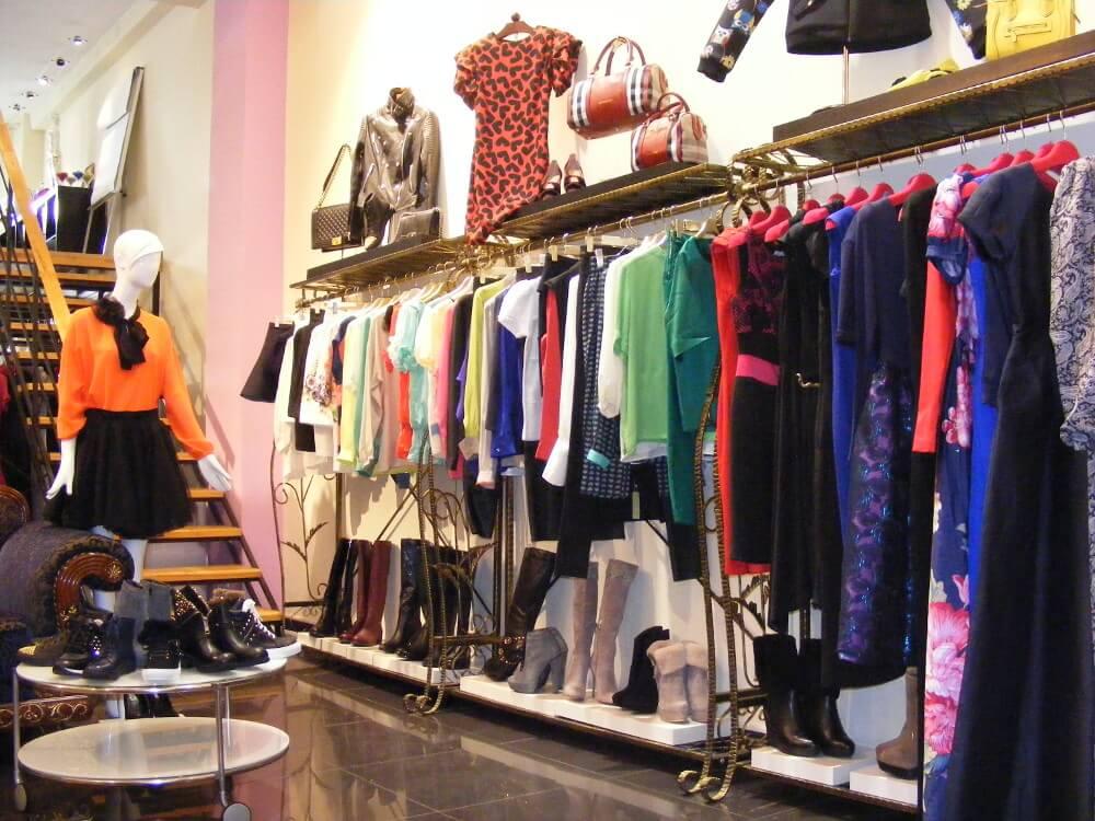 Как открыть выгодный шоурум одежды?
